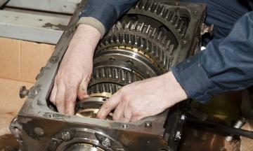 Handgeschakelde versnellingsbak revisie vrachtwagen